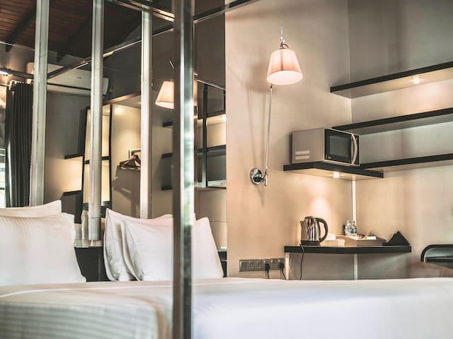 Villa Raha: Crystal Suite