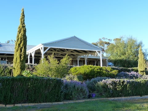 Ipswich View Homestead B&B in Historic Toodyay
