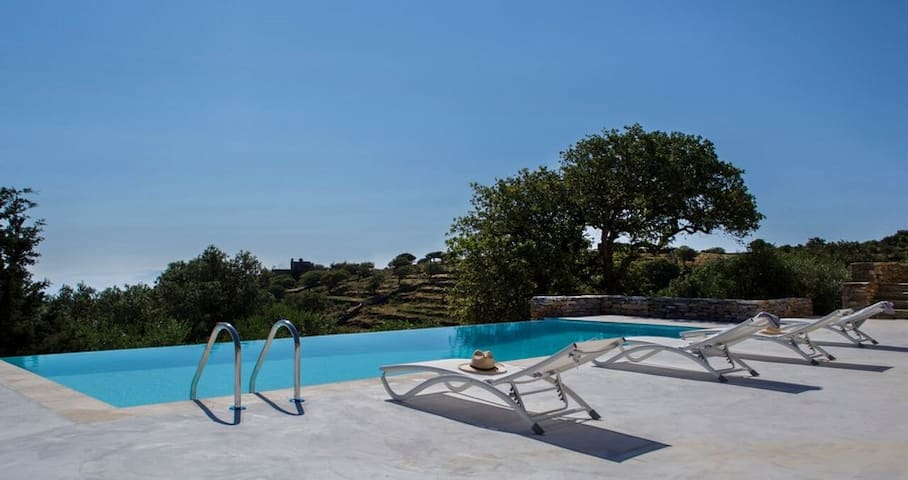 Villa Oliva in Kea | pool - view - petanque court. - Kéa - Hus