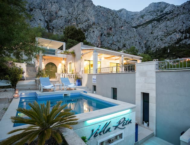 House for 4+1 pers with pool in Makarska R64775
