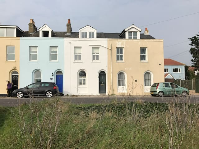 Georgian Seafront Cottage
