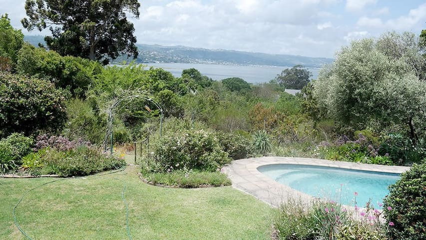The communal stoep overlooks the pool area and garden which has access to the walkway all the way to the lagoon.