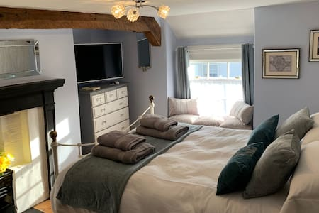Deluxe Double Anglesey room