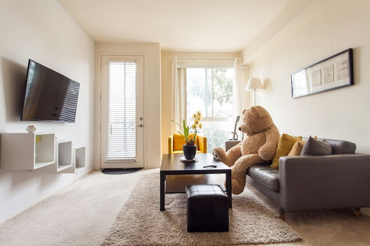 BearBNB - Los Angeles - Apartament