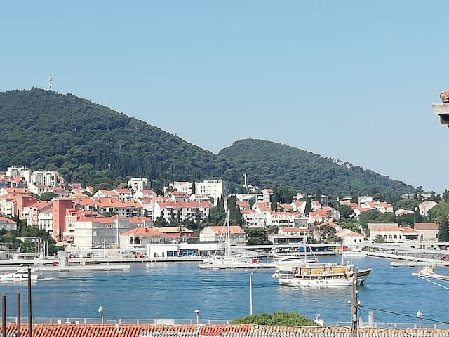 Explore Dubrovnik, best prices, sea wiev, location