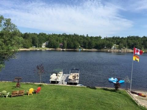 Hillary's Lakeside Retreat  - Utopia NB