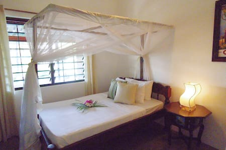 Watamu - 3 bed beachfront cottage