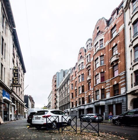 Low cost Brussels South up to 6 pax - Anderlecht