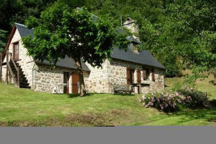 Gite près de la Dordogne, Glény