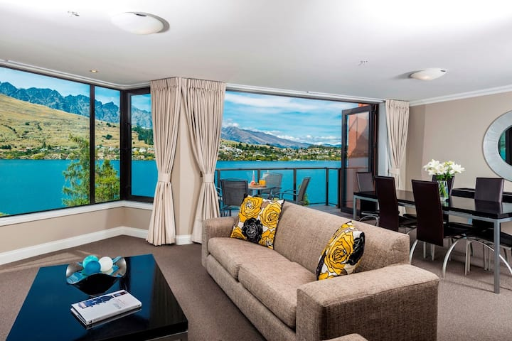 4⭐ Luxury 2BR Suite Retreat with Lakeview sleeps 6