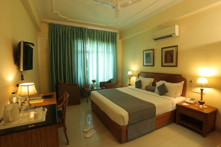 Hotel Classic Residency - Deluxe Premium Room
