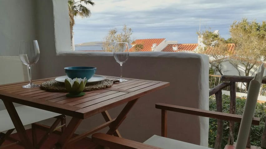 Fantastic apartment with see view in Fornellsbeach - Platges de Fornells - Apartamento