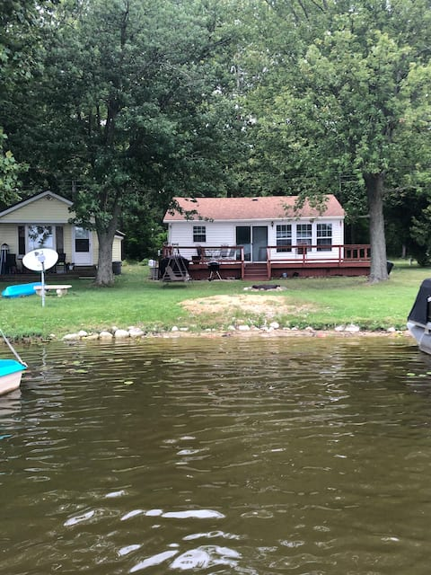 Love Life on The Lake!