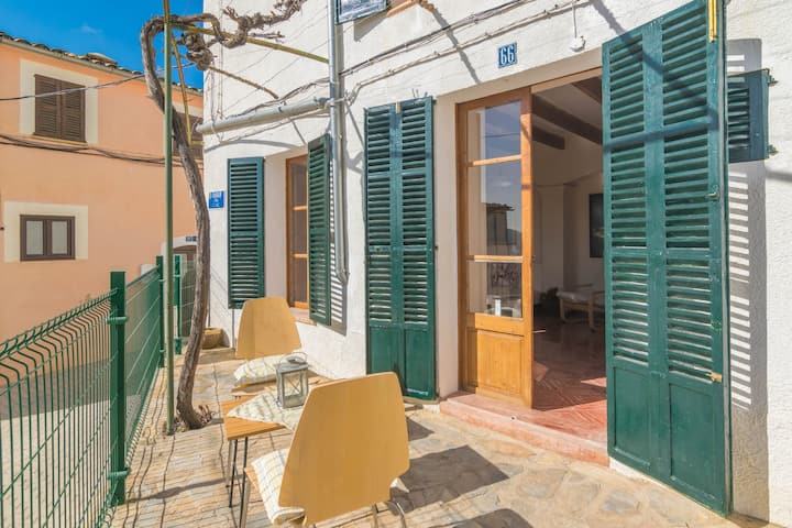 CAN TORRÉ - Great townhouse with wonderful views and terrace in Andratx Free WiFi