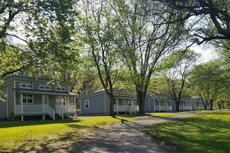 Sunset cottage # 4 great for families 2 bedroom