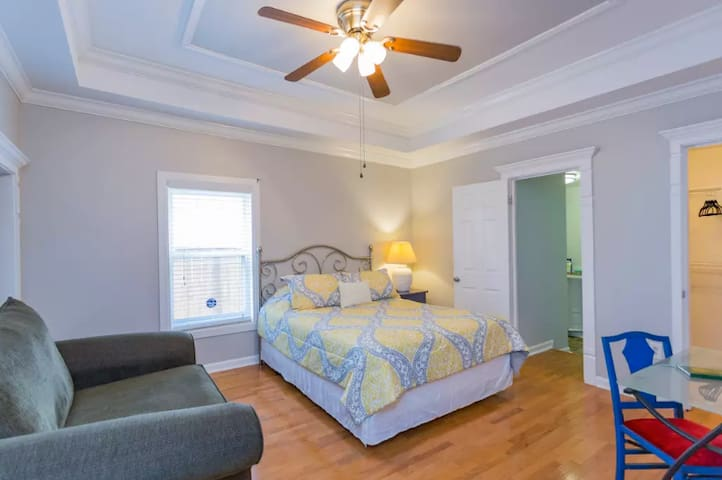 Spacious East Nash charm, 6 min 2 Downtown & Bway