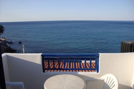 Λέντας δύο βήματα από την παραλία - Iraklio - Flygplan