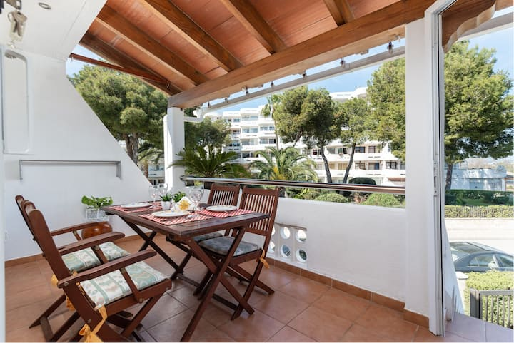PEDRO LOS DELFINES - Cozy apartment with access to community pool and close to the beach. Free WIFI.