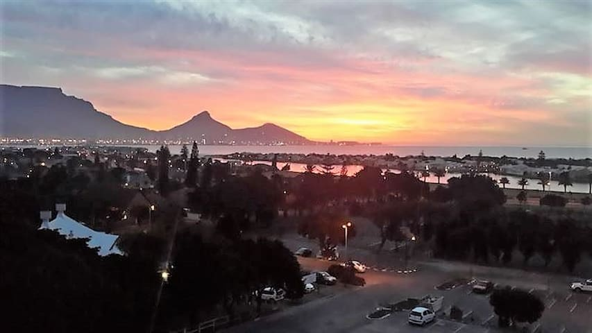 112 - Table Mountain Sunsets