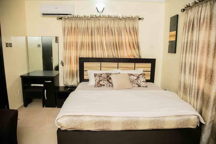 2 - 3 Luxury bedroom