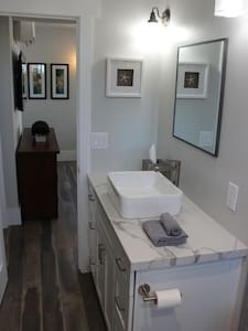 1 bedroom, 1 bathroom right off 2nd CaoNguyet