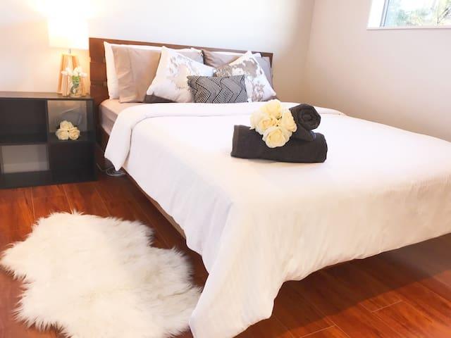 Brand New 3 Bedroom ~Quiet, Clean, Comfy & Cosy