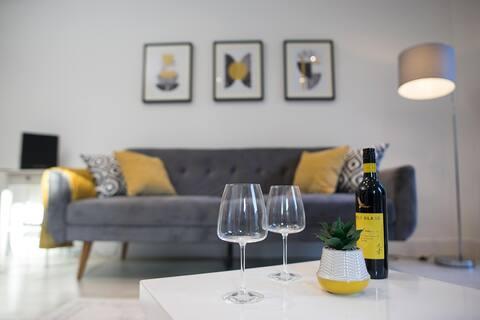 Luxury Cambridge City Apartment + FREE PARKING