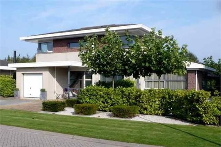 Villa on Golf resort - Lelystad - Willa