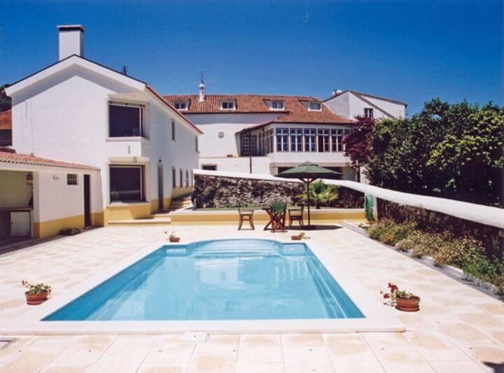 Casa com piscina, numa quinta, familias