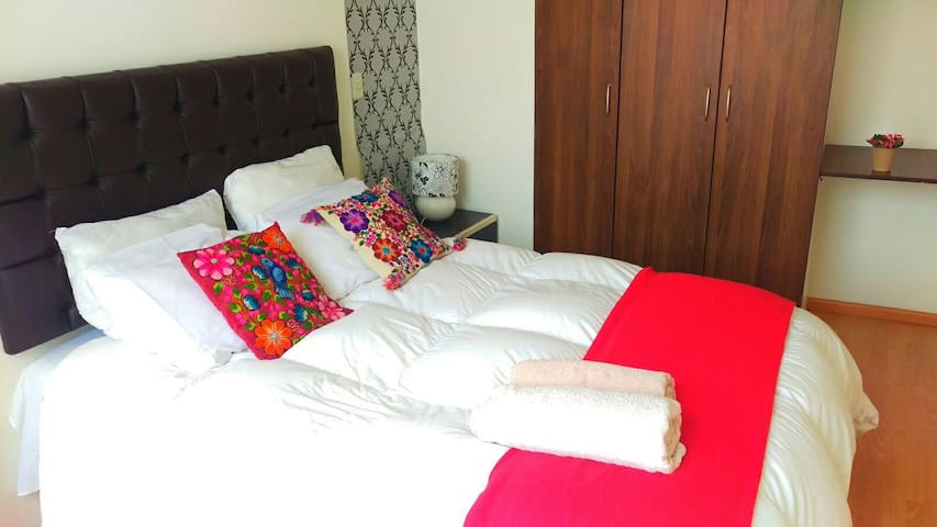 Comfy, wide and sweet room!!BF free - Cusco - Huis