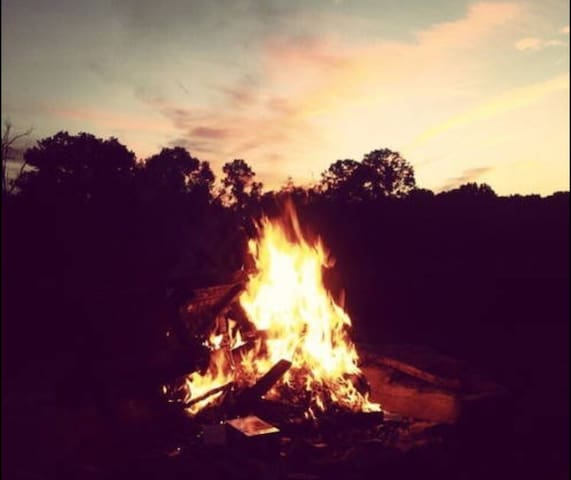 nightly bonfire, weather dependent