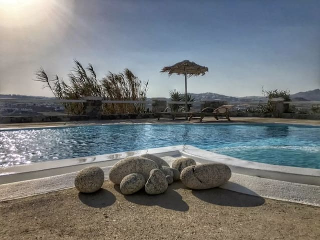 Luxurious Villa for 6 persons, near Mykonos Town - Klouvas