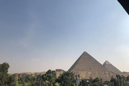Unique stay with Pyramids & Golf view