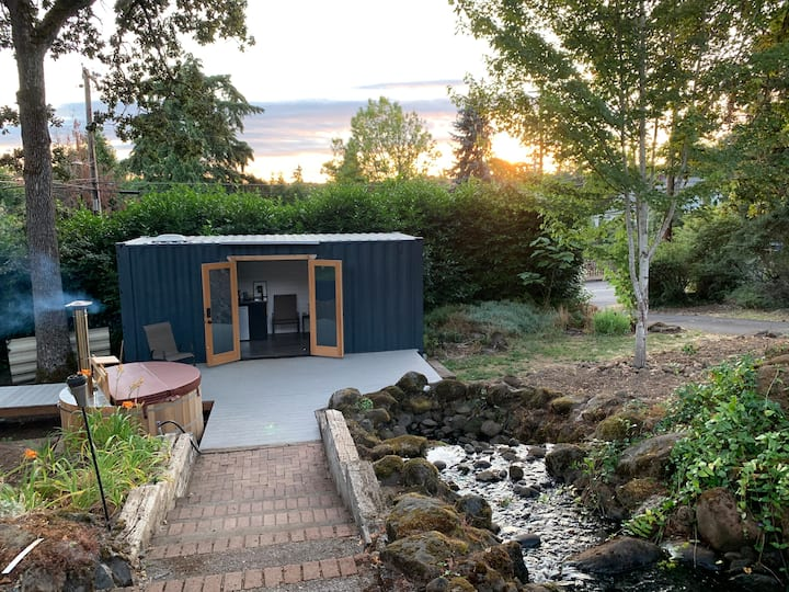 Container Suite Retreat w/Rivulet, Hot Tub & Sauna