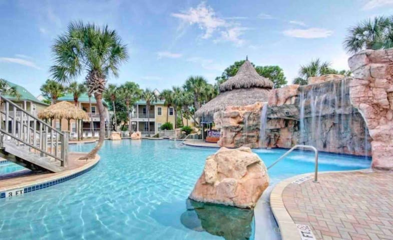 Spacious 2-BR @ Perdido Resort Sleeps 7 + 2 Pools