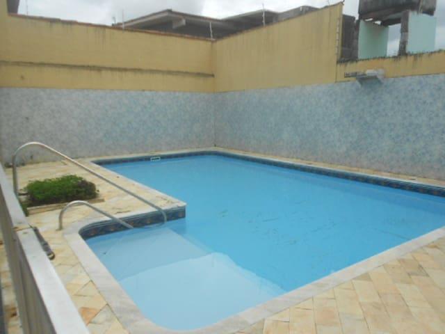 casa martim de sá 3 dorm. piscina araça 291