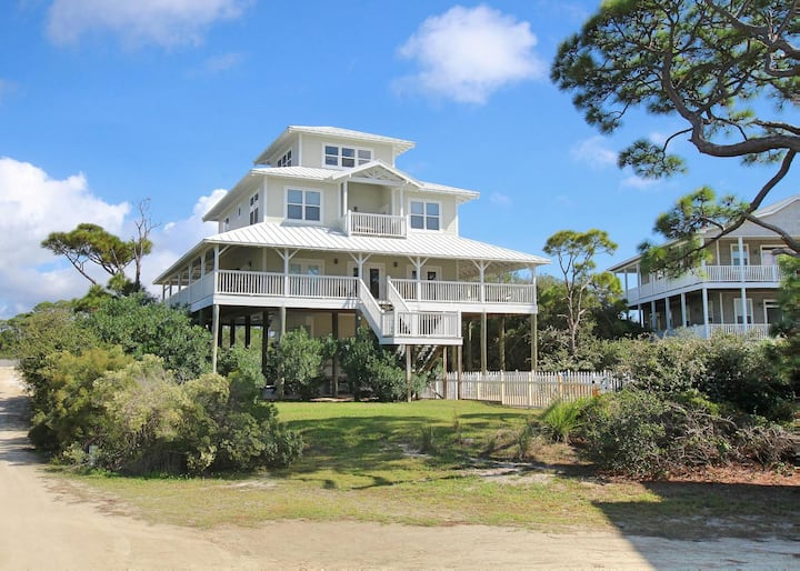Grand Pet-Friendly home with Gulf Views and private pool