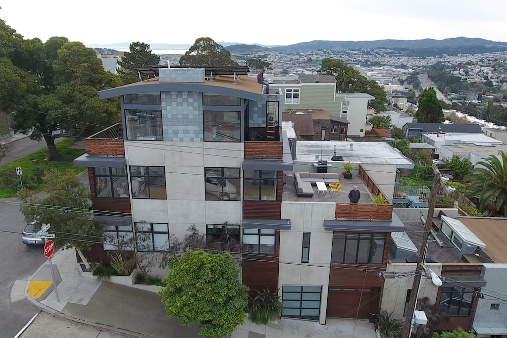 As seen from the exterior of the building, the entire house is built around the views of san francisco
