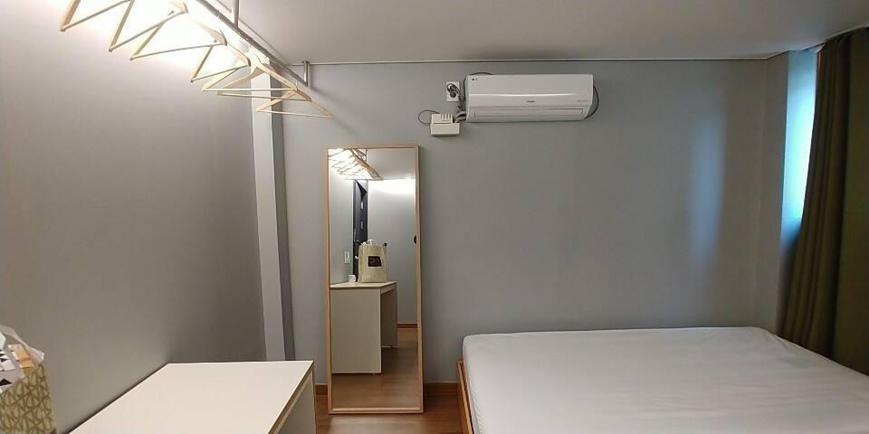우리 함께 사는 공간, 우사공. #302 (two beds room)