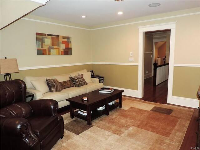 Cozy Master Bedroom For rent