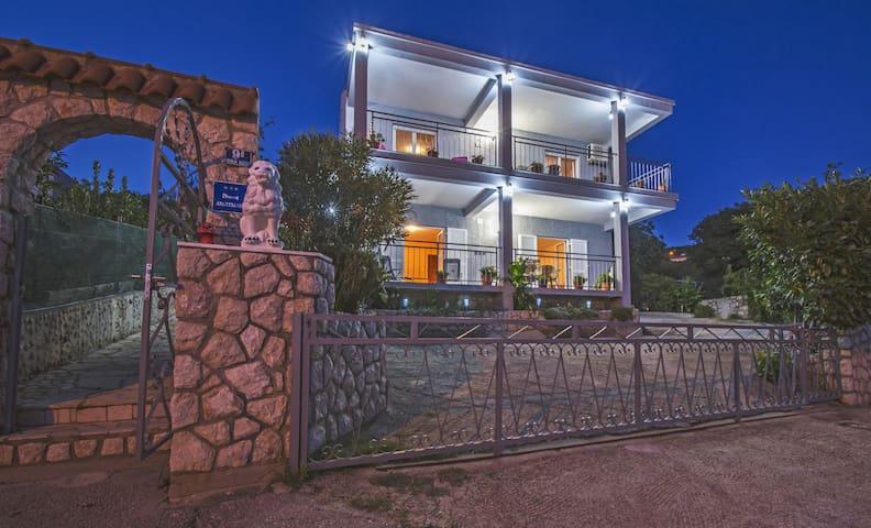 Apartman Lončar - lijep i udoban u prizemlju