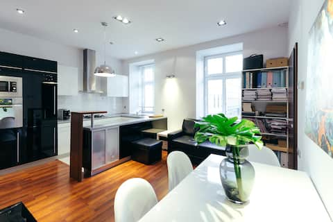 Apartment in the strict city centre + car park