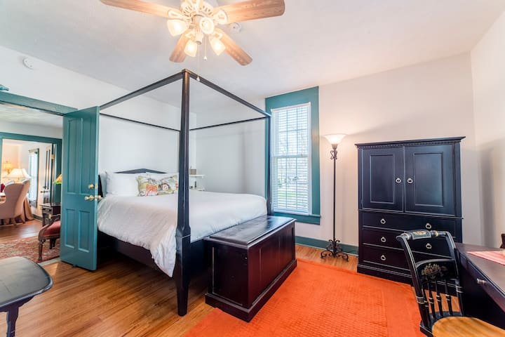 The Main Street Room! Private bath! - Wilmore - Bed & Breakfast