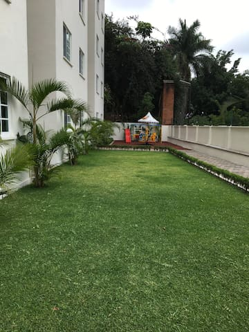Jardines con juego para niños