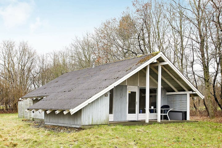 Heritage Holiday Home in Spøttrup with Roofed Terrace