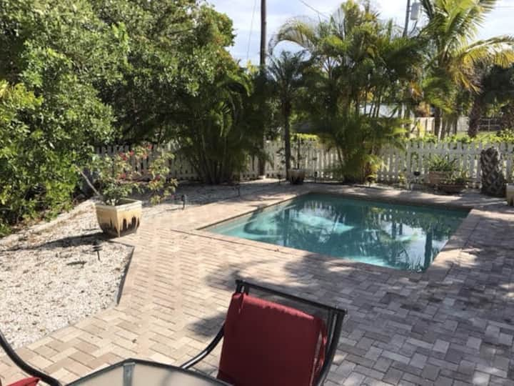 Anthony Beach Cottages-Bare Feet Retreat Pool Home