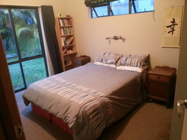 Big home, Comfy room- Close to town and River (Q) - Whanganui