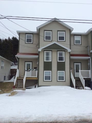 Newly renovated in a great location - St. John's - Townhouse