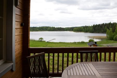 Lakeside view and peace in lovely cottage 109m2 - Talviainen - Alpstuga