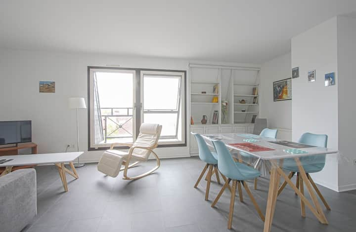 Bright apartment in downtown Caen